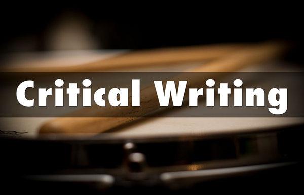 critical essay代写